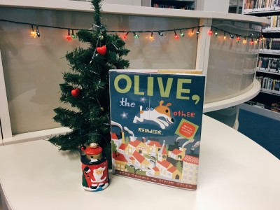 Reading For Kids: «Olive, the other reindeer»