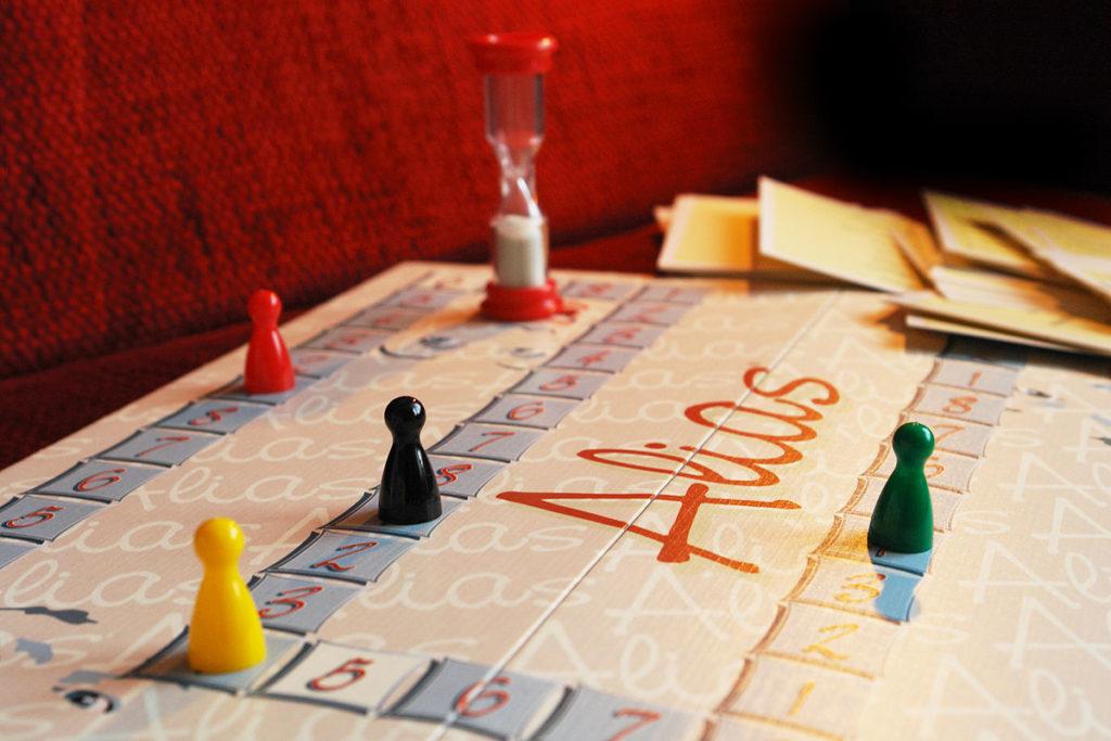 Играем в «Алиас» (для подростков 9 – 16 лет)