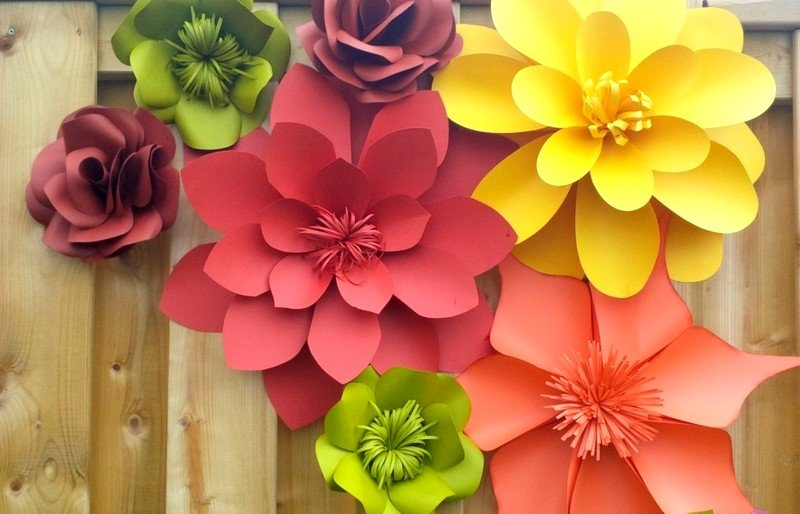 "Kid Lab: ""Paper flowers crafts"""